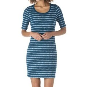NWT Kensie Blue & White Striped Ribbed Dress Large
